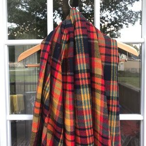 NWOT Scottish Plaid Blanket Scarf/ Wrap